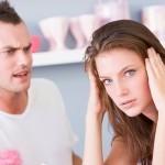 foto demonstrando casal interrogando demasiadamente
